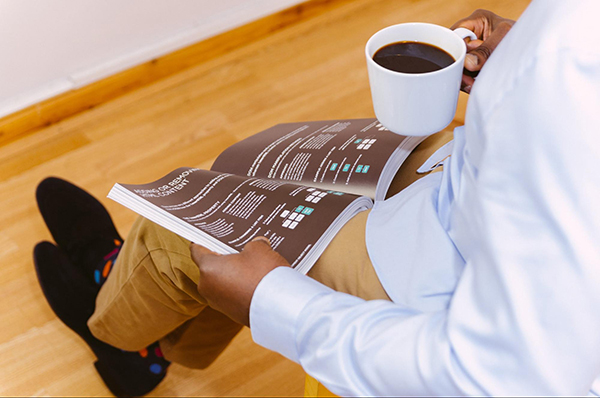 Главная сила White paper в том, что ее дарят клиенту. Подарки любят все. Если вы дадите своей аудитории кое-что по-настоящему ценное, то они точно проявят лояльность. С готовностью доверят вам решение своих задач.