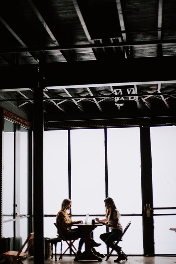 Если у вас установились теплые отношения с коллегами и вы поддерживали связь во время декрета, спросите их, что они думают о вас и в чем вам стоит прибавить