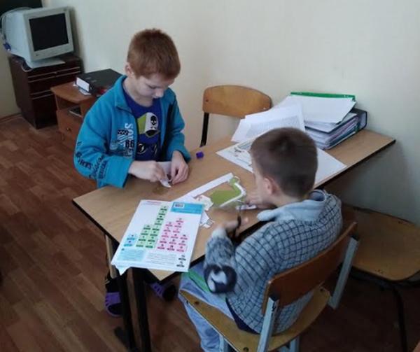 Накануне Нового года мы с детьми решили провести мастер-класс по рабочим тетрадям Kumon.