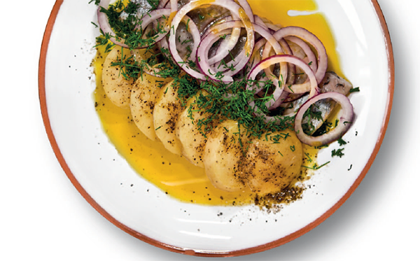 Селедка с картошкой и луком
