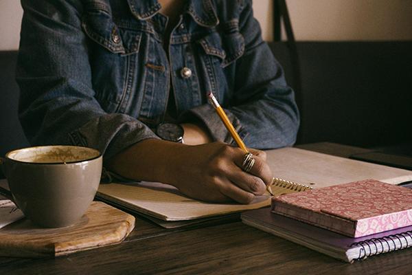 Пишите минимально достаточное количество слов в день.