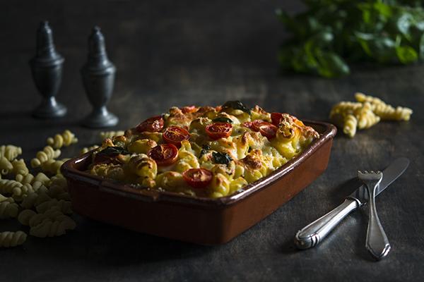Запеканка из брокколи, грибов и греческого сыра фета