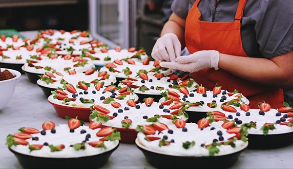 Это работает не только в ресторанном бизнесе. Берите принцип за основу и ищите идеальную сочетаемость несочетаемого.