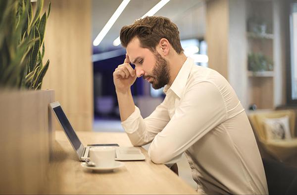 Почему не надо работать больше? Миф о передовиках и путь к спокойствию